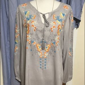 🌺Very boho Embroidered  tunic blouse